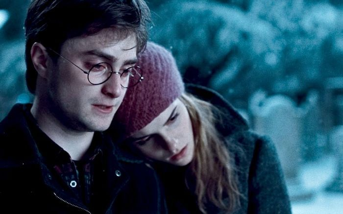 """J.K. Rowling ci ripensa: """"Hermione non doveva sposare Ron ma Harry"""""""