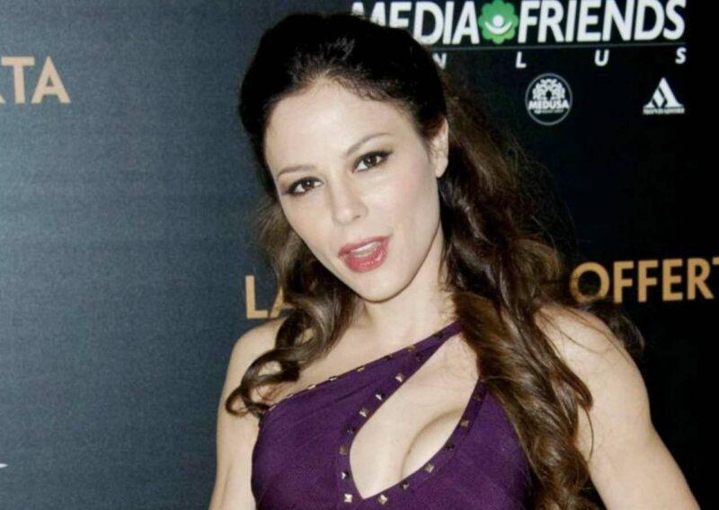 Naike Rivelli da censura sui social: la figlia di Ornella Muti dà scandalo